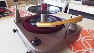VM Record Player With 45 RPM Record