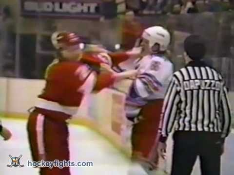 Mark Tinordi vs. Bob Probert