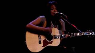 Angel Taylor - Make Me Believe
