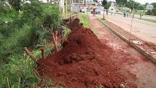 Um deslizamento de terra também foi registrado em Patos de Minas em decorrência das chuvas.