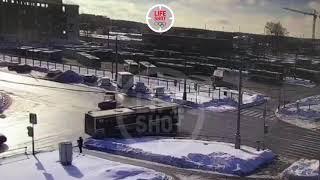 Машина ДПС протаранила автобус