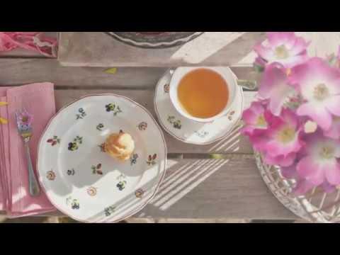 Bunte Blüten auf weißem Geschirr: Mit Petite Fleur in einen perfekten Tag starten