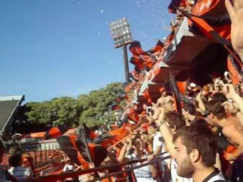 """""""Douglas Haig en el Coloso del Parque / 10.000 de visitante / Recibimiento"""" Barra: Los Fogoneros • Club: Douglas Haig"""