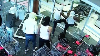 Philadelphia Supermarket Looted for 15 Hours