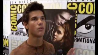 Сумерки-Twilight, Taylor Lautner LOVES Edward- Funny!
