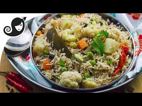 30-minute One Pot Vegetable Pulao (Rice Dish) | Vegan/Vegetarian Recipe