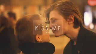 Mike Sponza Ft. Ian Siegal - Kiss me