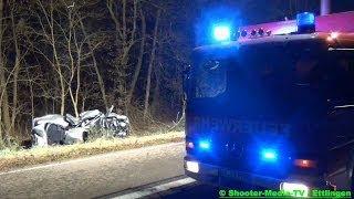 preview picture of video '[E] - HORRORUNFALL | [Heftiger Einsatz Feuerwehr Ettlingen] | 3 Todesopfer | PKW nur noch Schrott'