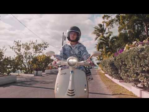 2021 Vespa Vespa 946 Christan Dior in Naples, Florida - Video 1