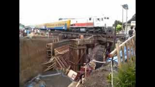 preview picture of video 'Pekerja Rampungkan Underpass Makamhaji'