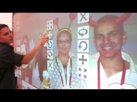 AVNET מציגה עם אייר גרפיטי
