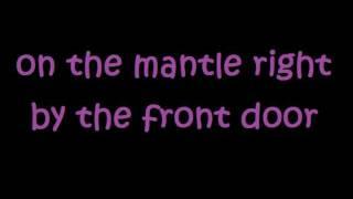 Brantley Gilbert - Picture on the Dashboard lyrics