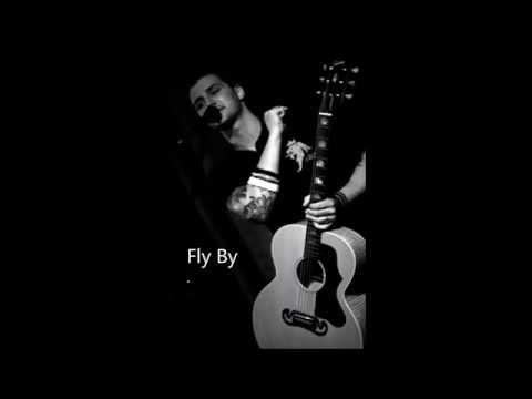 Música Fly By