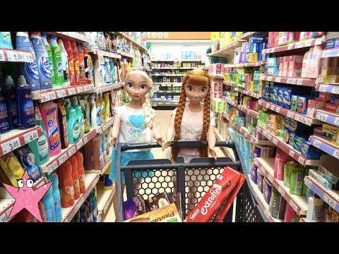 Elsa y Anna compran en un supermercado de verdad por primera vez ¡la que lían! (видео)
