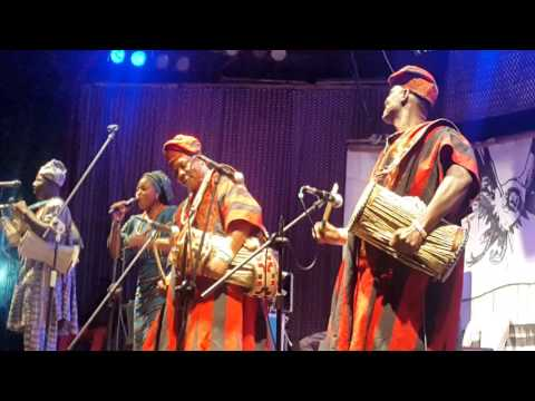 Dundun Drummers (Nigeria Traditional Percussion)