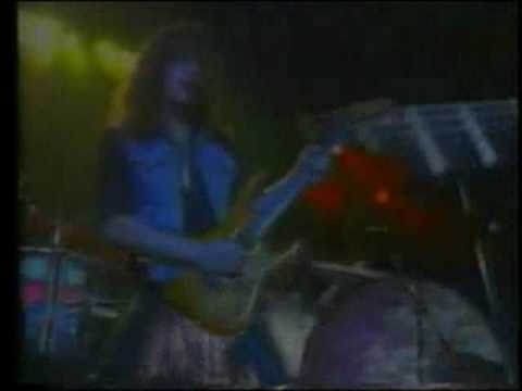 Rage - Suicide (Live Germany '93) online metal music video by RAGE