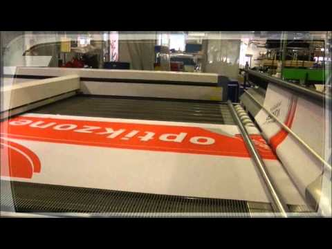 Fahnen Gärtner - Cutting large-sized flags | Laser cutting