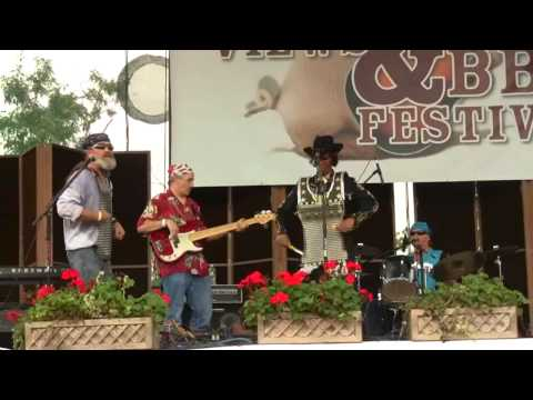 River City Slim & The Zydeco Hogs, Round 'Em Up