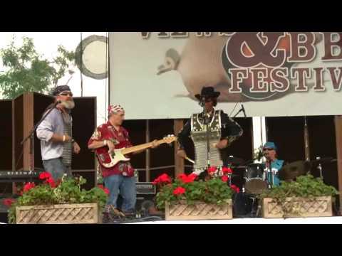 River City Slim & The Zydeco Hogs, Round 'Em Up