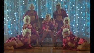 Wisin & Yandel, Romeo Santos   Aullando (dance Video)