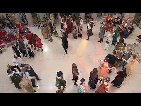 Fáklyás felvonulás és Reneszánsz Bál - video preview image