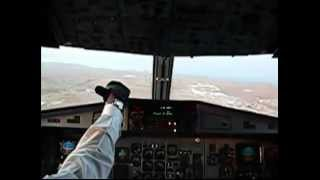 preview picture of video 'Aterragem aeroporto da Praia Cabo Verde'