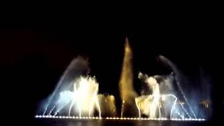 preview picture of video 'Les Grandes Eaux Nocturnes de Versailles 2013'
