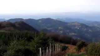 preview picture of video 'Vistas panorámicas desde la Ruta de los Dólmenes, Soraluze, Basque Country'