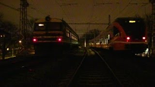 Старый дизель-поезд ДР1А и новый электропоезд как друзья / Old DR1A and new Stadler EMU together