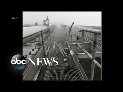 Download Helicopter pilot killed after crashing into New York City skyscraper HD Mp4 3GP Video and MP3