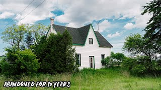 Unique Farmhouse Abandoned For 10 Years! Lots Left Behind! (Forgotten Homes Ontario Ep.69)