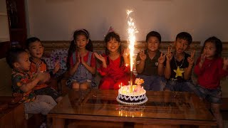 Kids Go To School | Chuns's birthday Friends to The Birthday Cake Shop Special Gift Of Children