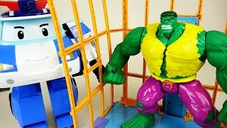 Hulk ESCAPE vs Robocar Poli car toys and Super Heroes