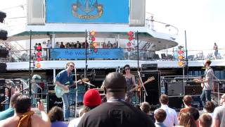"Yuck -  ""Georgia"" live @ Lido Deck on WEEZER CRUISE"