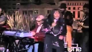 Betty Wright - Clean up Woman live
