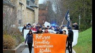 Мы против депортации. Демонстрация беженцев в Апольда.