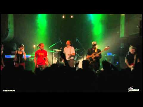 THE AQUATICS -TEASER LIVE AT PETIT BAIN - ARP 3 - OCT 2012.avi