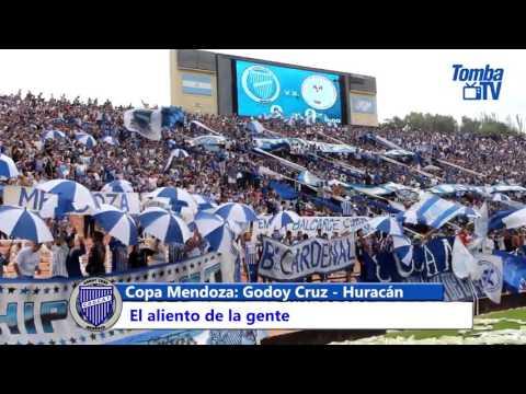 """""""El aliento de la gente vs. Huracán"""" Barra: La Banda del Expreso • Club: Godoy Cruz"""