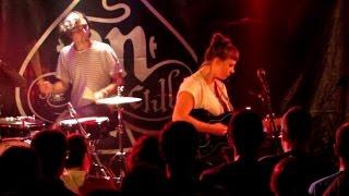 ANGEL OLSEN -HI FIVE -AN CLUB LIVE , ATHENS, GREECE,(15 SEP 2015)