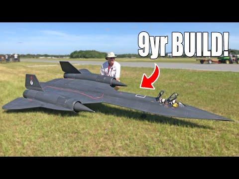 Beautiful Fully Functional SR-71 Blackbird Model Aircraft