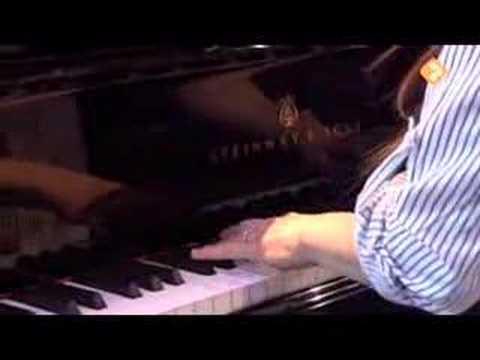play video:Soo Cho Quartet Ft. Angelo Verploegen - Breeze