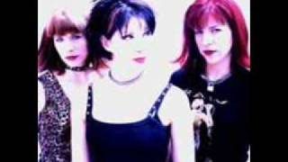 The Eyeliners - Sealed with a kiss
