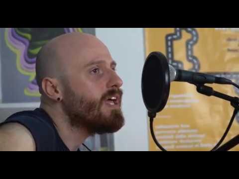 Brenneke si racconta (e suona) a VN Music Corner