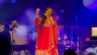 Shreya Ghoshal Singing 'Tabaah Ho Gaye' For The First Time Live In Johannesburg