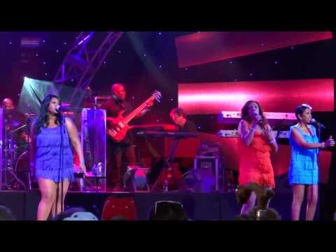 SLOW HAND-POINTER SISTERS-EPCOT 2013