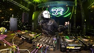 Zardonic @ Beats For Love 2015_the flag