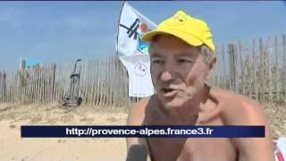 Des Naturistes à L'étroit Sur La Plage Des Vieux Salins à Hyères