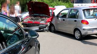 Zderzenie dwóch samochodów w Zalesiu