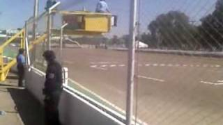 preview picture of video 'Bandera a cuadros para Fontana - TC 2000 en San Martin, Mendoza - 11-04-2010'