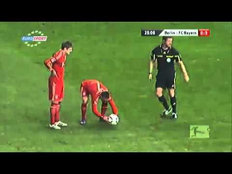 Bayern Munich's way of deciding free kicks...